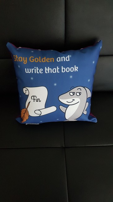 Pillow_stay golden
